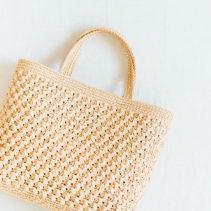 ネット編みつけのトートバッグ