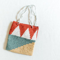 幾何学模様のぺたんこバッグ