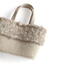 ファーの編み付けバック